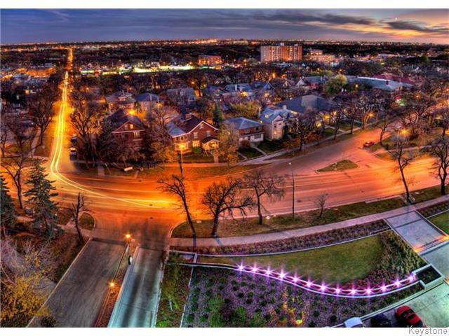 Photo 3: Photos: 323 Wellington Crescent in WINNIPEG: Fort Rouge / Crescentwood / Riverview Condominium for sale (South Winnipeg)  : MLS®# 1530275