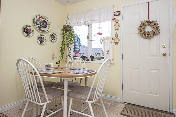 Photo 6: Photos: 701 REGAN Avenue in Coquitlam: Coquitlam West House for sale : MLS®# R2027263