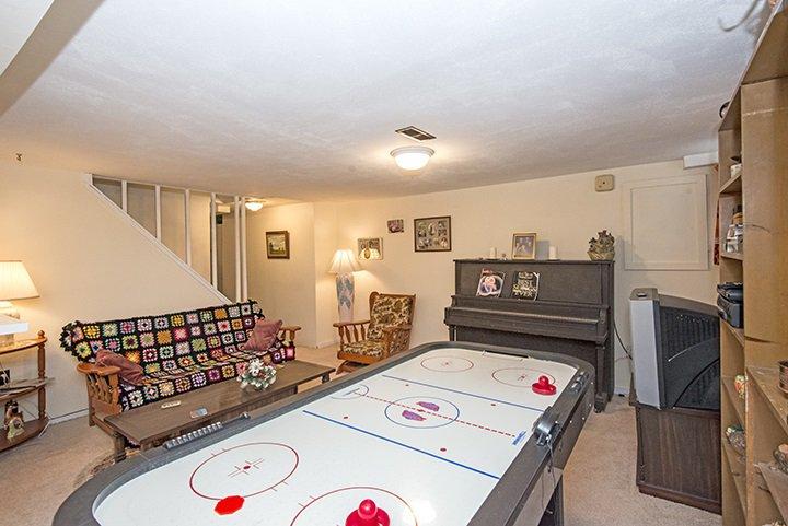 Photo 14: Photos: 701 REGAN Avenue in Coquitlam: Coquitlam West House for sale : MLS®# R2027263