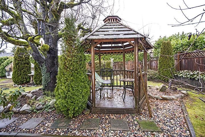 Photo 18: Photos: 701 REGAN Avenue in Coquitlam: Coquitlam West House for sale : MLS®# R2027263