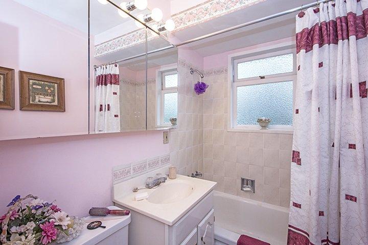 Photo 11: Photos: 701 REGAN Avenue in Coquitlam: Coquitlam West House for sale : MLS®# R2027263