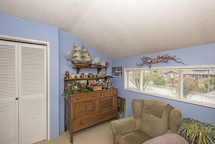 Photo 9: Photos: 701 REGAN Avenue in Coquitlam: Coquitlam West House for sale : MLS®# R2027263