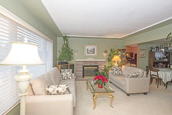 Photo 2: Photos: 701 REGAN Avenue in Coquitlam: Coquitlam West House for sale : MLS®# R2027263