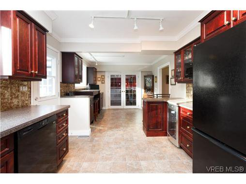 Photo 7: Photos: 8590 East Saanich Rd in NORTH SAANICH: NS Dean Park House for sale (North Saanich)  : MLS®# 720237