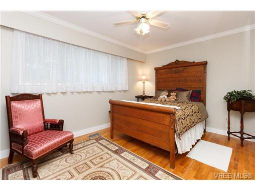 Photo 14: Photos: 8590 East Saanich Rd in NORTH SAANICH: NS Dean Park House for sale (North Saanich)  : MLS®# 720237