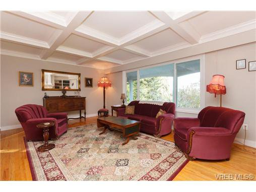 Photo 3: Photos: 8590 East Saanich Rd in NORTH SAANICH: NS Dean Park House for sale (North Saanich)  : MLS®# 720237