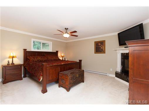 Photo 12: Photos: 8590 East Saanich Rd in NORTH SAANICH: NS Dean Park House for sale (North Saanich)  : MLS®# 720237