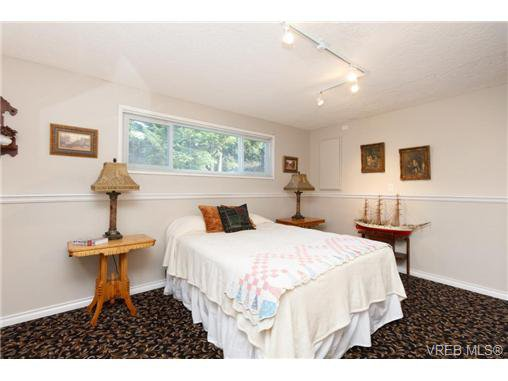 Photo 15: Photos: 8590 East Saanich Rd in NORTH SAANICH: NS Dean Park House for sale (North Saanich)  : MLS®# 720237