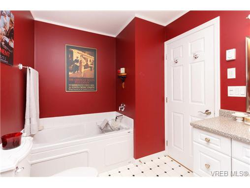 Photo 13: Photos: 8590 East Saanich Rd in NORTH SAANICH: NS Dean Park House for sale (North Saanich)  : MLS®# 720237