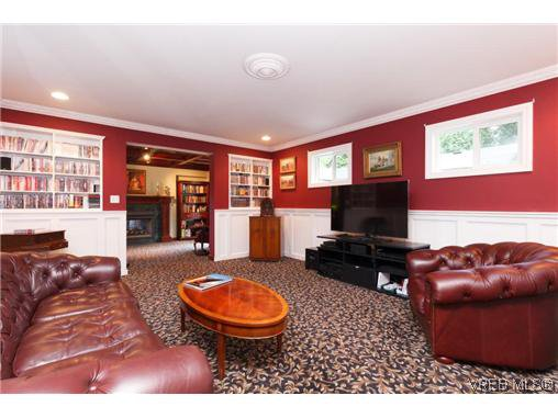 Photo 9: Photos: 8590 East Saanich Rd in NORTH SAANICH: NS Dean Park House for sale (North Saanich)  : MLS®# 720237