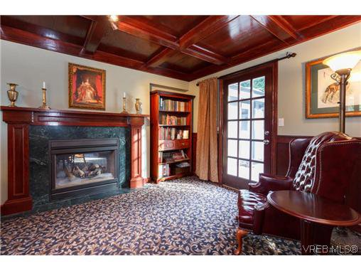 Photo 10: Photos: 8590 East Saanich Rd in NORTH SAANICH: NS Dean Park House for sale (North Saanich)  : MLS®# 720237