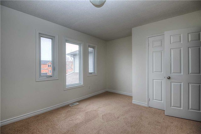 Photo 3: Photos: 331 Langlaw Drive in Cambridge: House (2-Storey) for sale : MLS®# X3441825