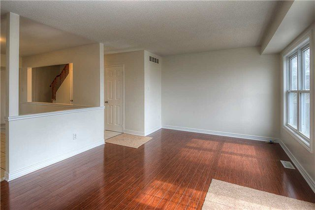 Photo 19: Photos: 331 Langlaw Drive in Cambridge: House (2-Storey) for sale : MLS®# X3441825