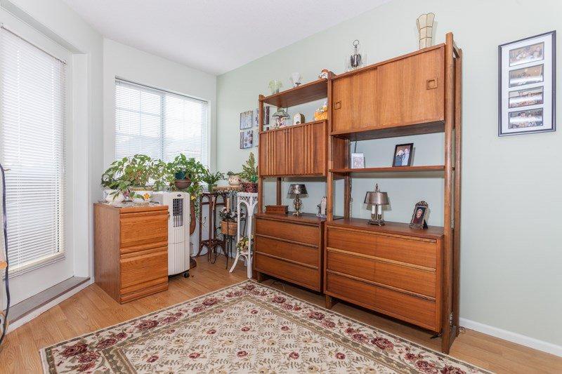 "Photo 9: Photos: 204 2239 152 Street in Surrey: Sunnyside Park Surrey Condo for sale in ""Semiahmoo Estates"" (South Surrey White Rock)  : MLS®# R2065495"