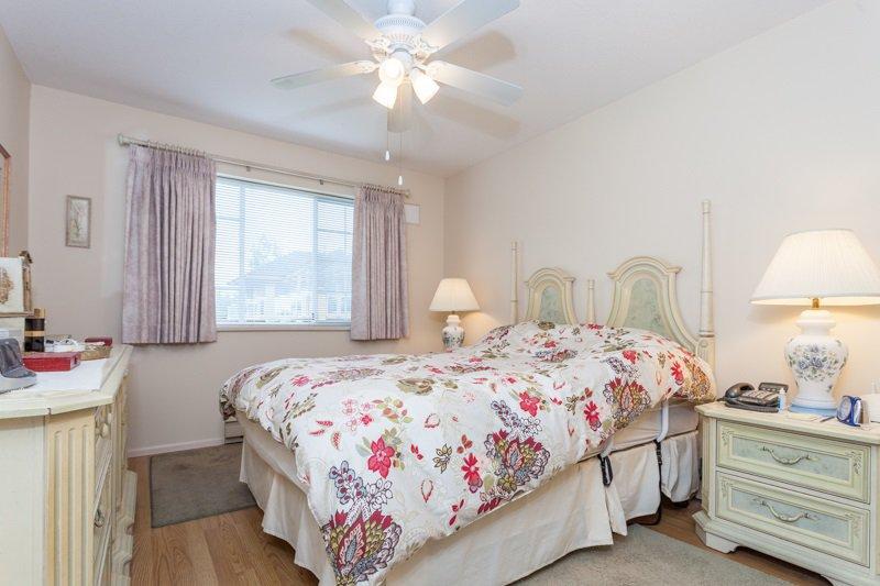 "Photo 3: Photos: 204 2239 152 Street in Surrey: Sunnyside Park Surrey Condo for sale in ""Semiahmoo Estates"" (South Surrey White Rock)  : MLS®# R2065495"
