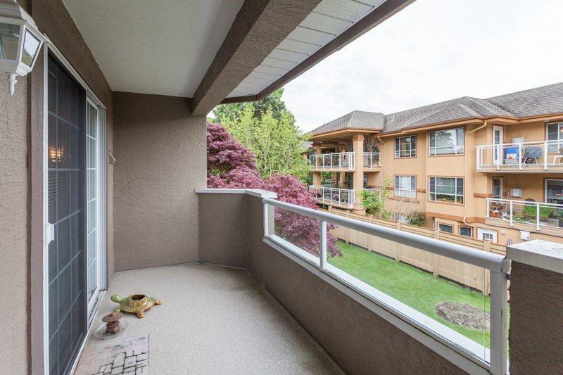 "Photo 12: Photos: 204 2239 152 Street in Surrey: Sunnyside Park Surrey Condo for sale in ""Semiahmoo Estates"" (South Surrey White Rock)  : MLS®# R2065495"