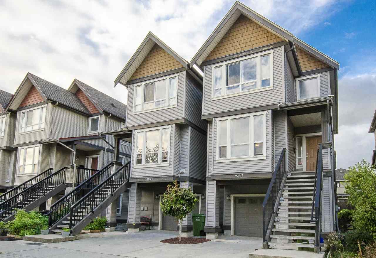 "Main Photo: 22317 SHARPE Avenue in Richmond: Hamilton RI House 1/2 Duplex for sale in ""ROSEDALE GARDEN"" : MLS®# R2106316"