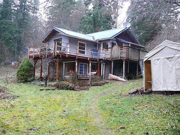 Main Photo: 929 BAYVIEW Road: Roberts Creek House for sale (Sunshine Coast)  : MLS®# R2145495