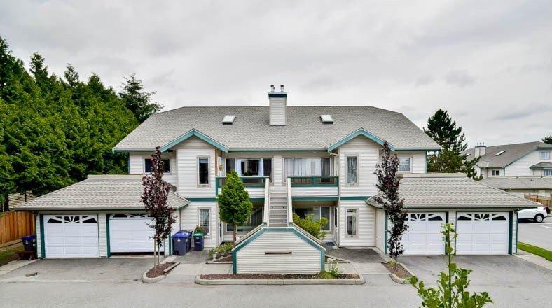 "Main Photo: 122 7837 120A Street in Surrey: West Newton Townhouse for sale in ""Berkshyre Gardens"" : MLS®# R2163653"