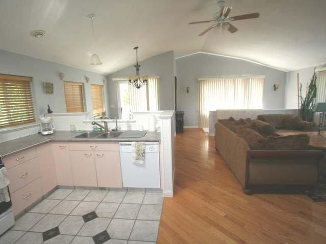 Photo 6: Photos: 531 MARRIOTT ROAD in : Heffley House for sale (Kamloops)  : MLS®# 140295