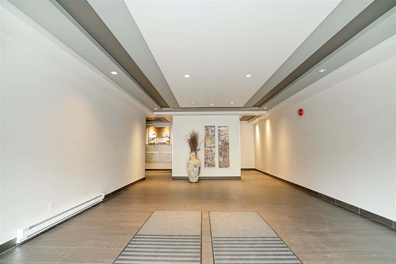 Photo 19: Photos: 405 935 W 16TH Street in North Vancouver: Hamilton Condo for sale : MLS®# R2204015