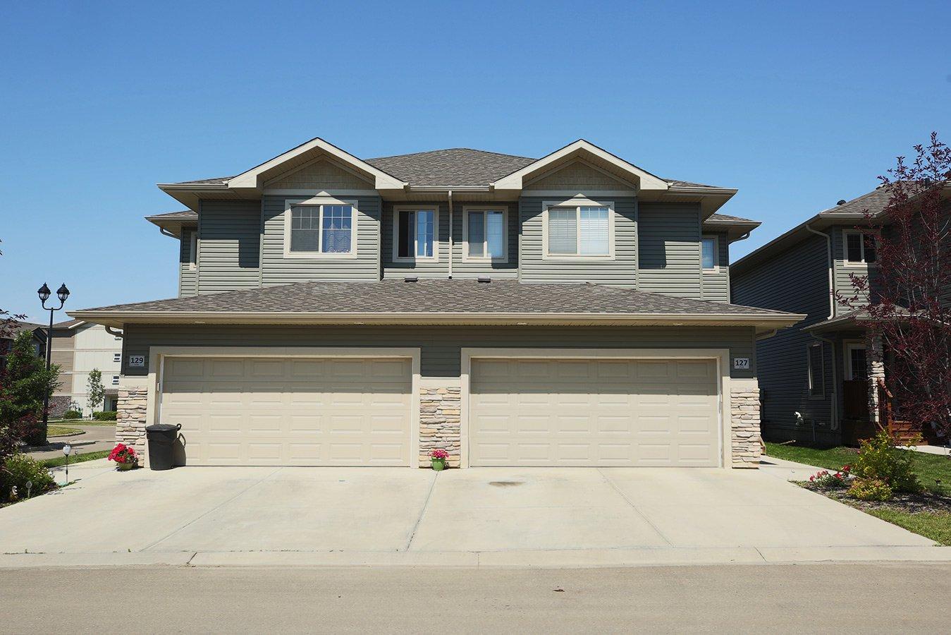 Main Photo: 127 8602 Southfort Boulevard in Fort Saskatchewan: House Half Duplex for sale : MLS®# E4073048