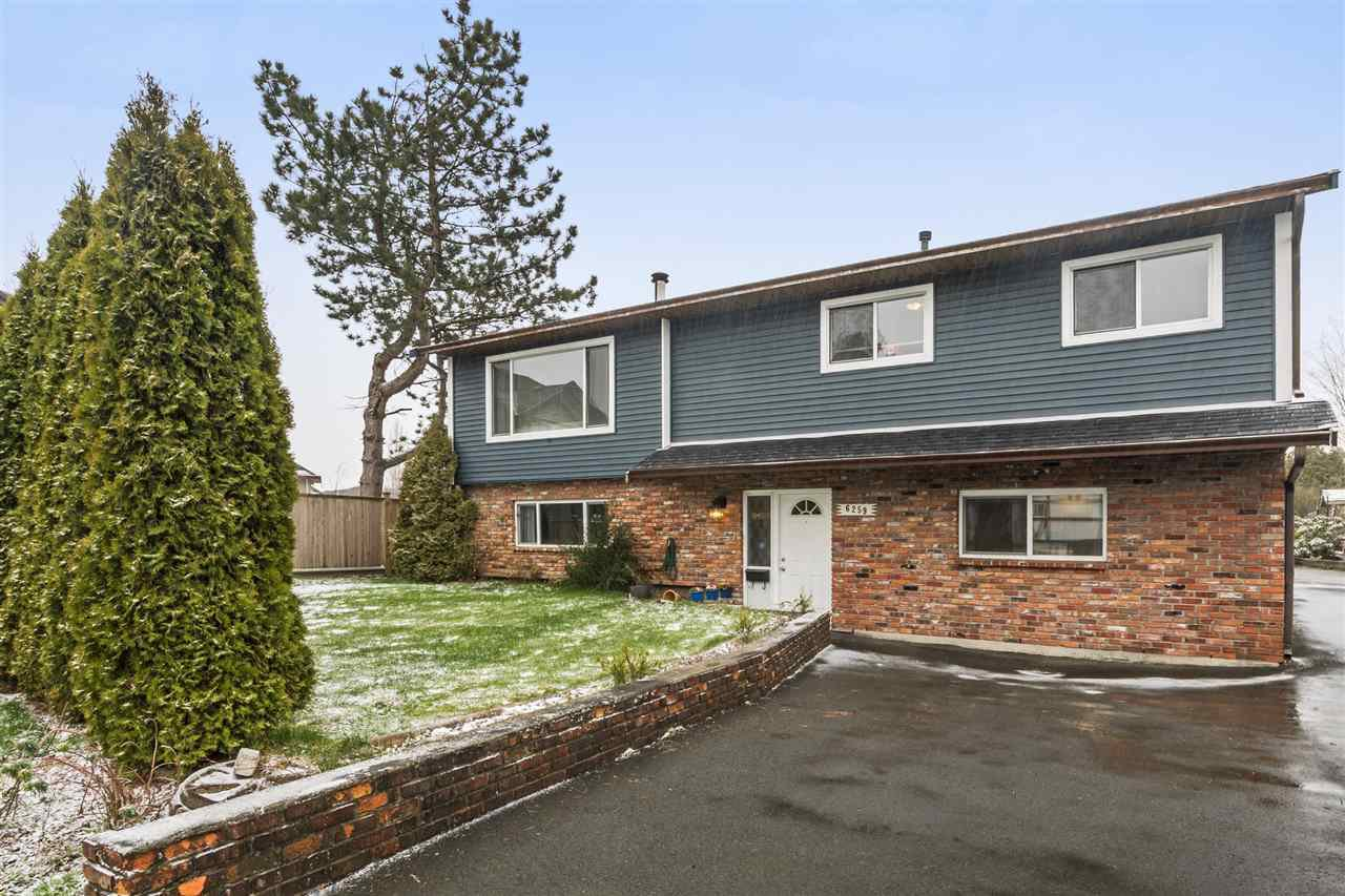 Main Photo: 6259 175B STREET in Surrey: Cloverdale BC House for sale (Cloverdale)  : MLS®# R2242701