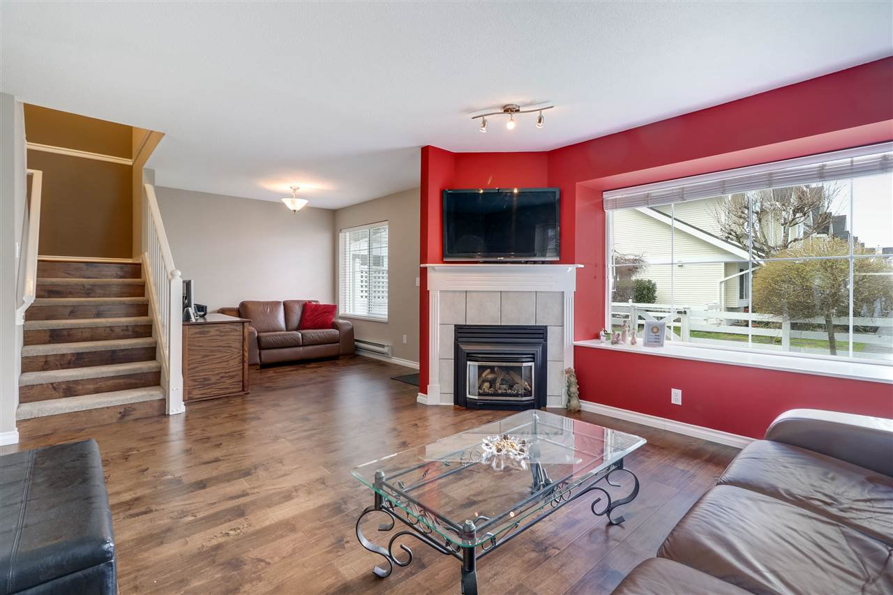 "Photo 10: Photos: 16 23560 119 Avenue in Maple Ridge: Cottonwood MR Townhouse for sale in ""Hollyhock"" : MLS®# R2252954"
