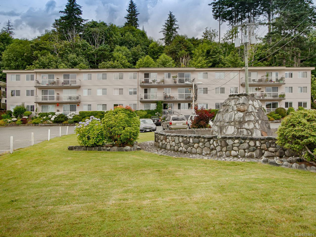 Main Photo: 27 940 S Island Hwy in CAMPBELL RIVER: CR Campbell River Central Condo for sale (Campbell River)  : MLS®# 789891