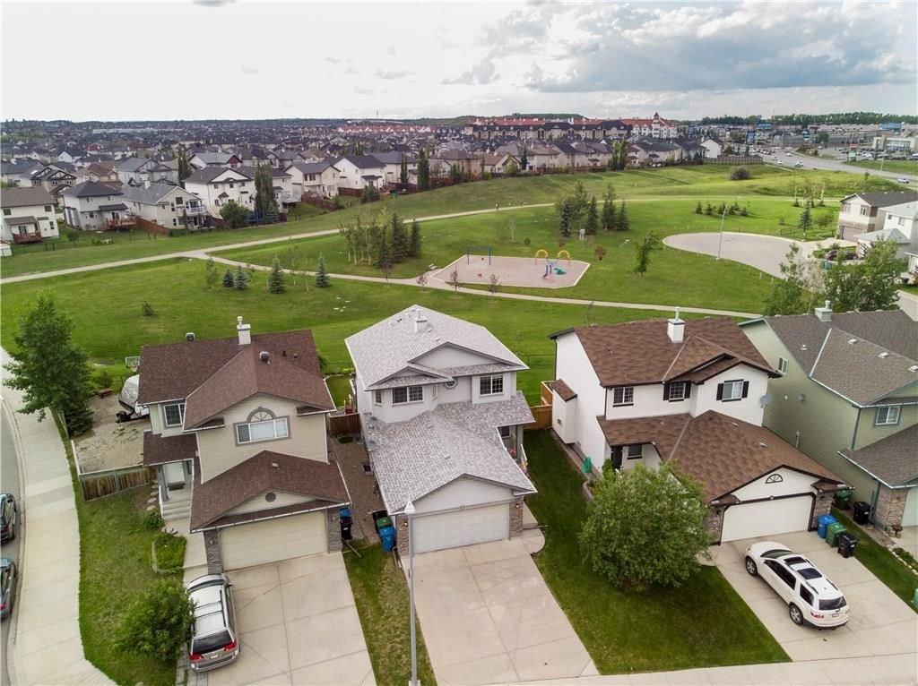 Main Photo: 15 ROYAL BIRCH Manor NW in Calgary: Royal Oak House for sale : MLS®# C4194223