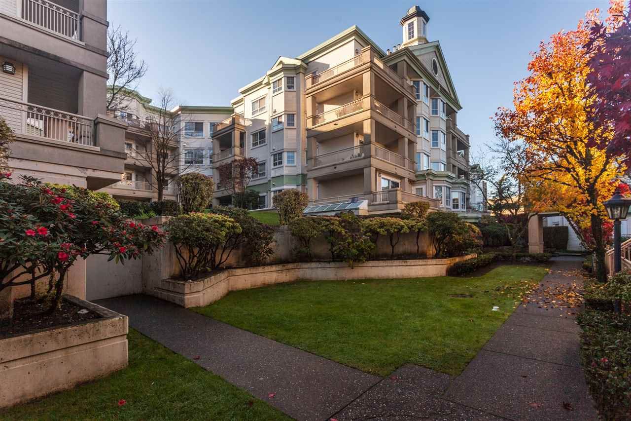 """Main Photo: 203 15268 105 Avenue in Surrey: Guildford Condo for sale in """"Georgian Gardens"""" (North Surrey)  : MLS®# R2348451"""