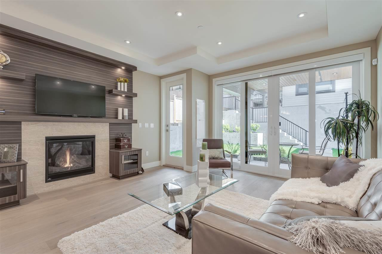 Photo 10: Photos: 316 E 4TH Street in North Vancouver: Lower Lonsdale House 1/2 Duplex for sale : MLS®# R2370138