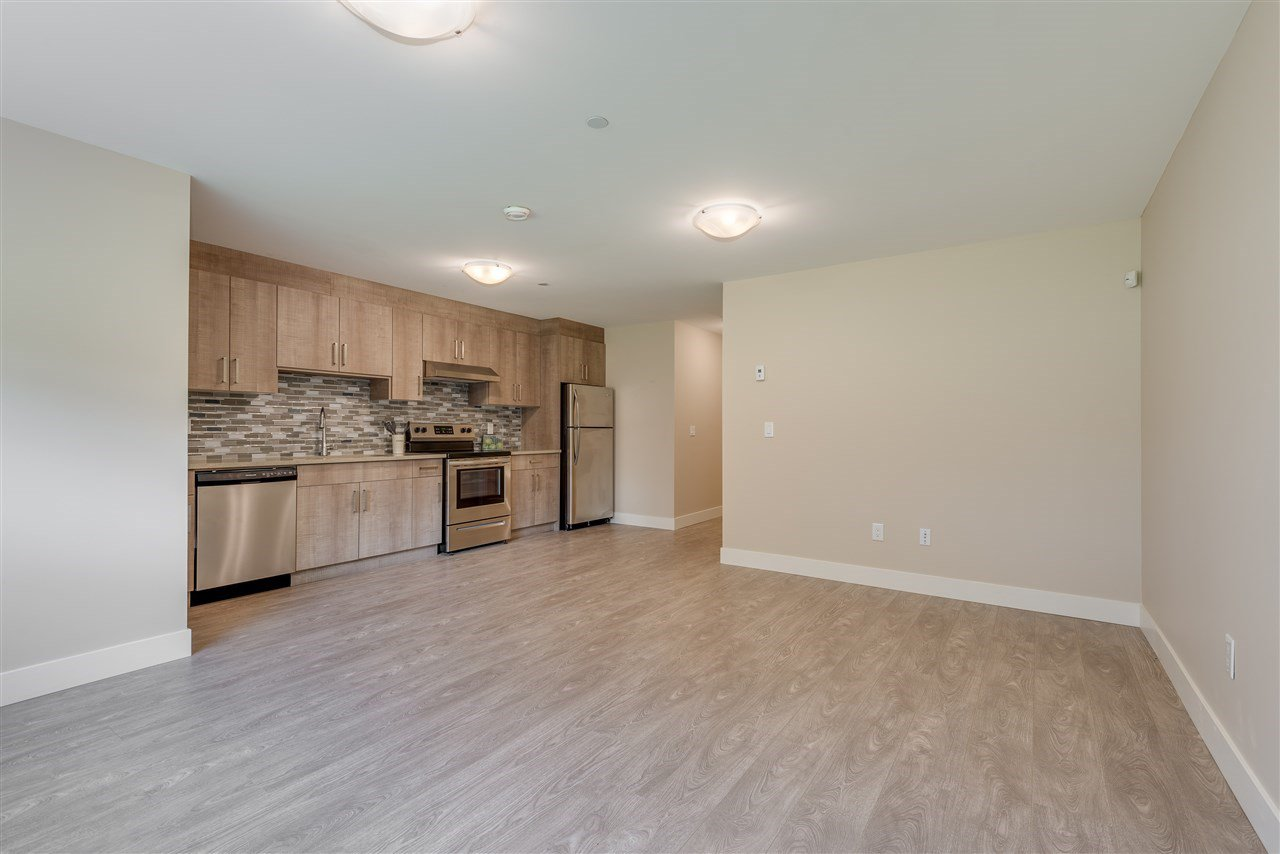 Photo 18: Photos: 316 E 4TH Street in North Vancouver: Lower Lonsdale House 1/2 Duplex for sale : MLS®# R2370138