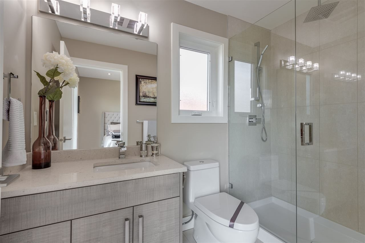 Photo 16: Photos: 316 E 4TH Street in North Vancouver: Lower Lonsdale House 1/2 Duplex for sale : MLS®# R2370138