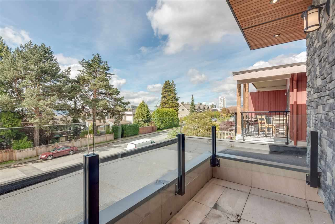 Photo 17: Photos: 316 E 4TH Street in North Vancouver: Lower Lonsdale House 1/2 Duplex for sale : MLS®# R2370138
