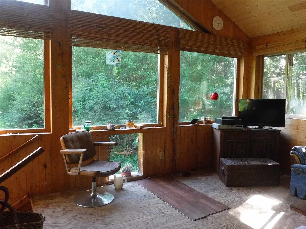 Photo 4: Photos: 3736 20 Highway in Bella Coola: Bella Coola/Hagensborg House for sale (Williams Lake (Zone 27))  : MLS®# R2376163