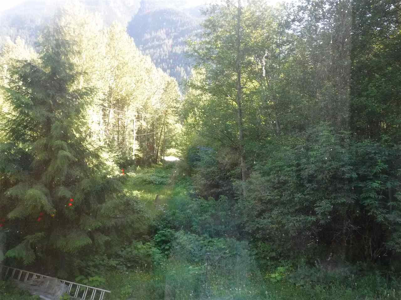 Photo 2: Photos: 3736 20 Highway in Bella Coola: Bella Coola/Hagensborg House for sale (Williams Lake (Zone 27))  : MLS®# R2376163