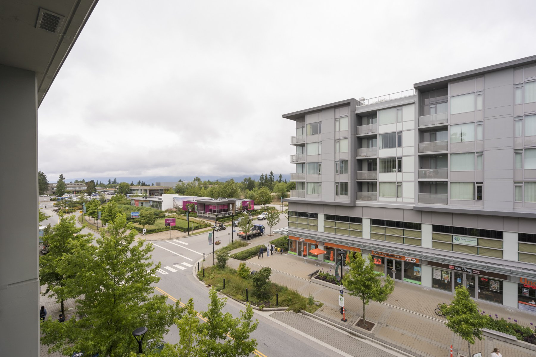 "Photo 18: Photos: 614 9009 CORNERSTONE Mews in Burnaby: Simon Fraser Univer. Condo for sale in ""THE HUB"" (Burnaby North)  : MLS®# R2386947"