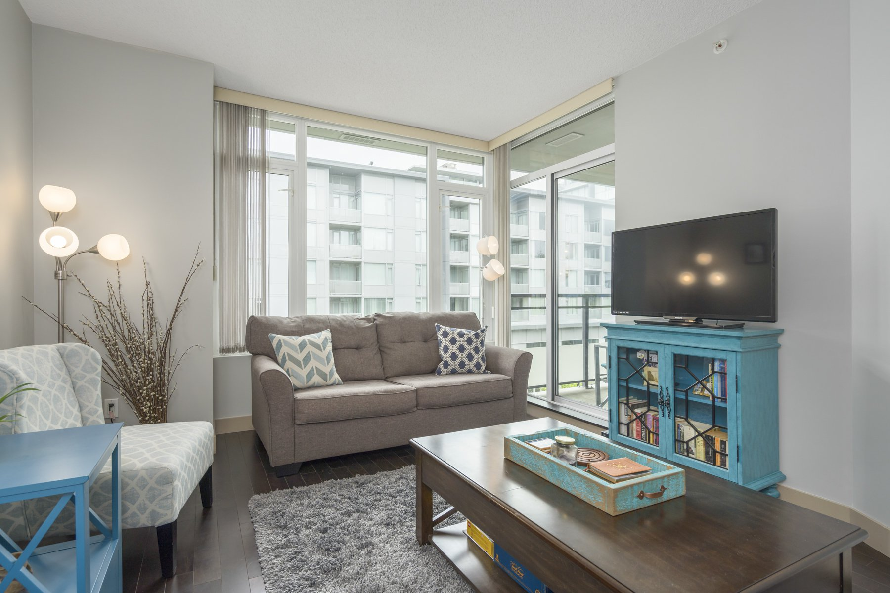 "Photo 4: Photos: 614 9009 CORNERSTONE Mews in Burnaby: Simon Fraser Univer. Condo for sale in ""THE HUB"" (Burnaby North)  : MLS®# R2386947"