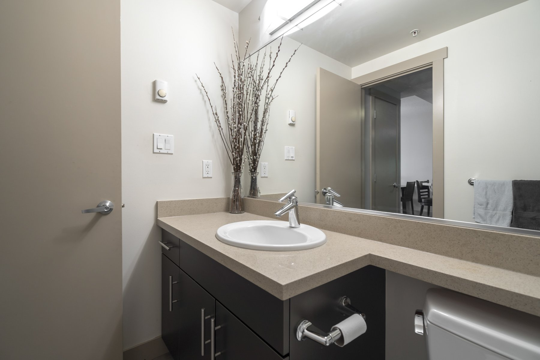 "Photo 15: Photos: 614 9009 CORNERSTONE Mews in Burnaby: Simon Fraser Univer. Condo for sale in ""THE HUB"" (Burnaby North)  : MLS®# R2386947"