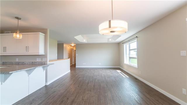 Photo 8: Photos: 74 ROCKRIDGE Drive in Blumenort: R16 Residential for sale : MLS®# 1921809