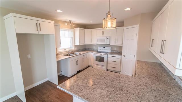 Photo 4: Photos: 74 ROCKRIDGE Drive in Blumenort: R16 Residential for sale : MLS®# 1921809