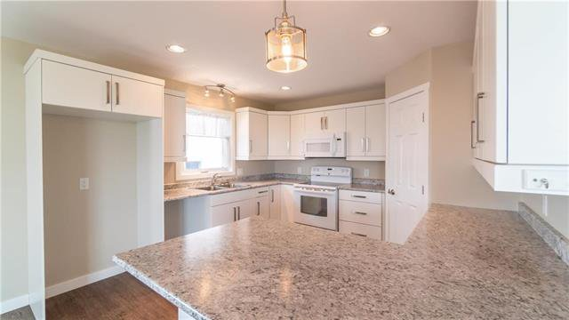 Photo 3: Photos: 74 ROCKRIDGE Drive in Blumenort: R16 Residential for sale : MLS®# 1921809