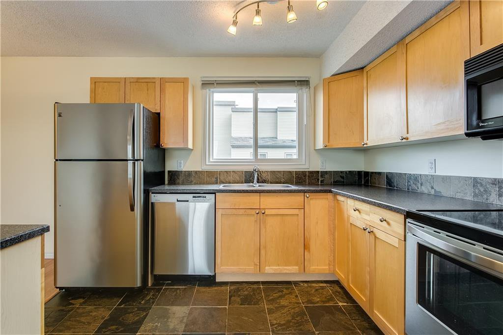 Main Photo: 808 1540 29 Street NW in Calgary: St Andrews Heights Apartment for sale : MLS®# C4273324