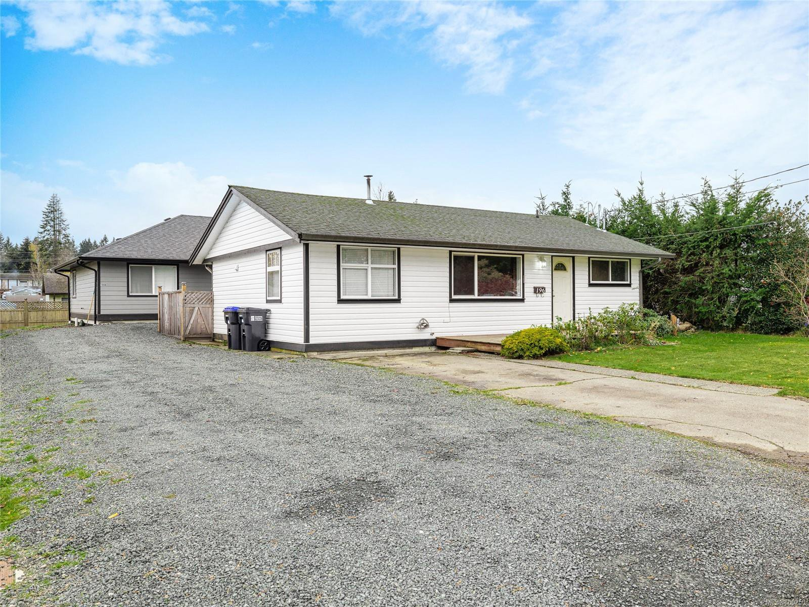 Main Photo: 196 Marks Ave in : PQ Parksville House for sale (Parksville/Qualicum)  : MLS®# 860250