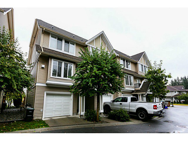 "Main Photo: 44 19141 124TH Avenue in Pitt Meadows: Mid Meadows Townhouse for sale in ""MEADOWVIEW ESTATES"" : MLS®# V1029960"