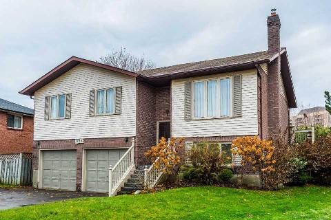 Main Photo: 924 Cresthill Court in Oshawa: Pinecrest House (Bungalow-Raised) for sale : MLS®# E3076180