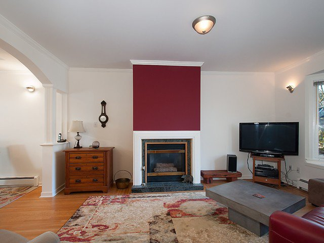 Photo 2: Photos: 3322 W 6TH Avenue in Vancouver: Kitsilano House for sale (Vancouver West)  : MLS®# V1106769