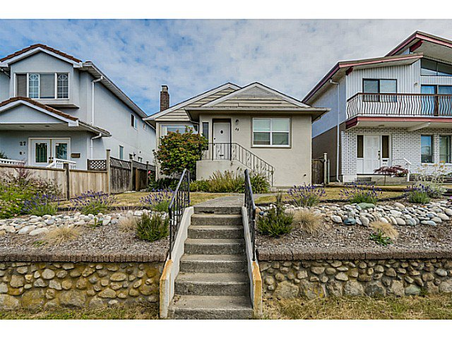 Main Photo: 35 E 58TH Avenue in Vancouver: South Vancouver House for sale (Vancouver East)  : MLS®# V1130474