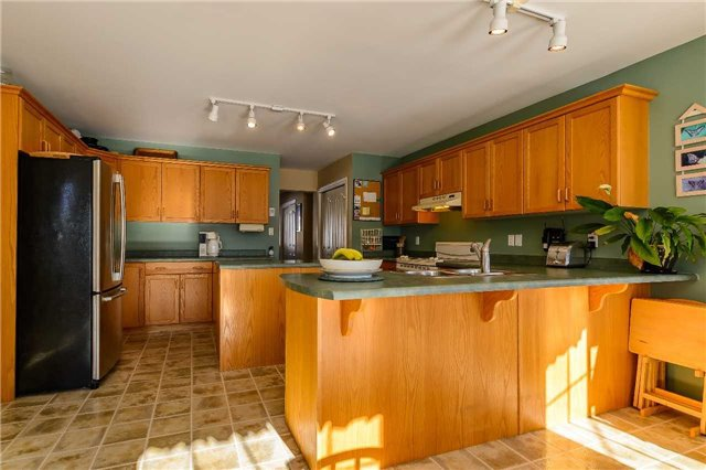 Photo 3: Photos: 230 Rankin Lake Road in Seguin: House (Bungalow) for sale : MLS®# X3408812